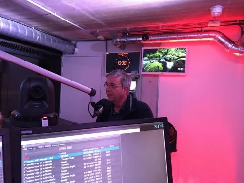 Weerman Arjen komt even langs om het Twentse weekendweerbericht live te doen.